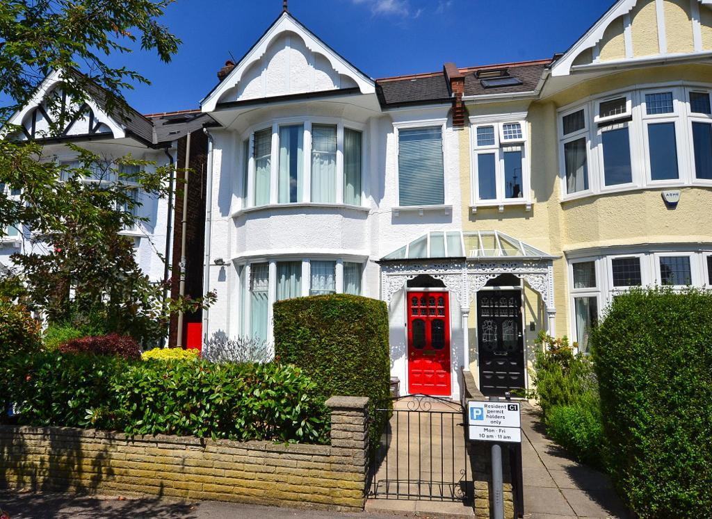 Caddington Road, Cricklewood, London, NW2 1RS